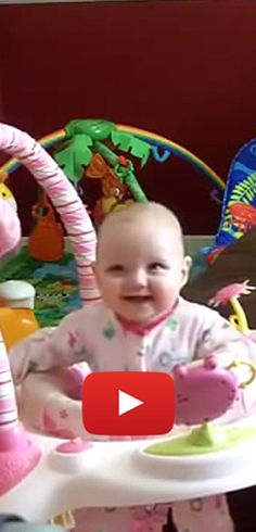 Top 10 de fous rires de bébé.  http://rienquedugratuit.ca/videos/top-10-de-fous-rires-de-bebe/