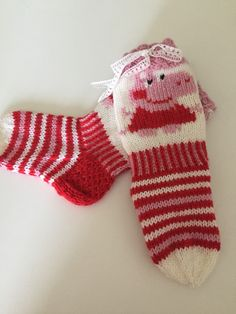 Miss Piggy, Knitting Socks, Mittens, Slippers, Crochet, Knits, Baby, Fashion, Winter