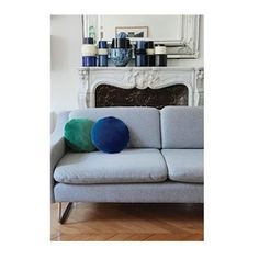 Fancy velvet in your interiors, discover our collection of round cushions on our eshop.  #collection #velvet #love #colors #italy #home #interiordesign