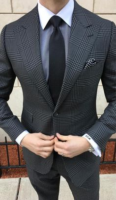 Suit fashion - Why Men's Accessories Are A Game Changer – Suit fashion Best Suits For Men, Cool Suits, Blazer Outfits Men, Casual Blazer, Moda Formal, Mode Costume, Designer Suits For Men, Herren Outfit, Fashion Mode