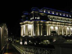 FLUX LIGHTING. Produits utilisés : linéaires LED. Fullerton Hotel, Singapour.  Fullerton Hotel, Singapour. Architectes : DPA Concepteur Lumière : Louis Clair - BE éclairage : Light-Cibles