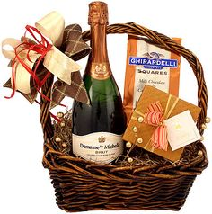 Create a memorable evening with this beautiful gift. Send this champagne and chocolate truffle gift basket for many unique celebratory occasions of wedding, engagement, anniversary, romance or corporate congratulatory. Wine Country Gift Baskets, Wine Baskets, Diy Food Gifts, Creative Gifts, Valentine Gifts, Holiday Gifts, Christmas Gifts, Champagne Gift Baskets, Mothers Day Baskets