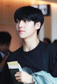 Innocent Man, Love U Forever, Lee Daehwi, Fandom, Picture Credit, Pop Singers, Love You All, Boyfriend Material, Korean Singer