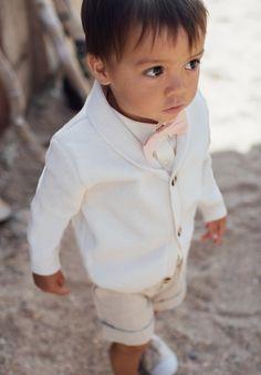 373aa19151565 Cardigan Enfant et Bébé Ivoire en laine pour Cérémonie. Les petits  Inclassables · Printemps Eté 2018