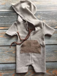 Newborn Photography Prop - Upcycled Boys Hooded Romper - shortall - brown - pocket by Liltwigs on Etsy Newborn Outfits, Baby Boy Outfits, Kids Outfits, Baby Boy Newborn, Baby Kids, Baby Lane, Neutral Baby Clothes, Baby Swag, Newborn Photography Props