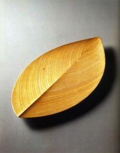 Tapio Wirkkala laminated birch wood dish via @SightUnseen #design #wood #modern #Scandi #nature #minimal
