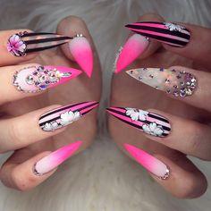 trendige und einzigartige Stiletto Nail Art Designs Trendy and Unique Stiletto Nail Art Designs # nails # Stiletto nails Dope Nails, Bling Nails, Swag Nails, Fun Nails, Pink Bling, Grunge Nails, Nagel Tattoo, Jolie Nail Art, Nagel Bling