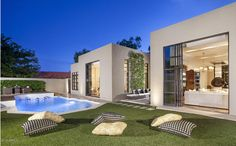4 Beds 5 Baths 3996 SqFt 0.34 acre 1971 Year Built 5817 N 45TH Street Phoenix, AZ 85018