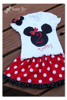 Minnie Outfit, hairclip – and labels!