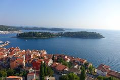 lady in black: Picturesque Rovinj #croatia #visitcroatia #chorvatsko #travelblogger #travel #picoftheday #rovinj #oldtown #travelphotography #traveleurope #europe #mediterranean #placestogo #coast #rovigno