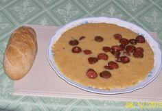 Sárgaborsó-főzelék pirított virslikarikákkal