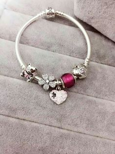 site>>PANDORA Jewelry Online Shop More than off! Pandora Bracelet Charms, Sterling Silver Charm Bracelet, Pandora Rings, Pandora Jewelry, Silver Charms, Pandora Pandora, Cute Jewelry, Jewelry Art, Vintage Jewellery