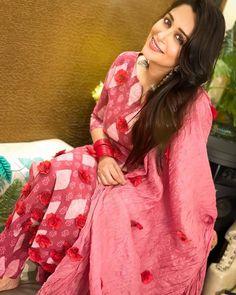 Salwar Pattern, Kurta Designs Women, Indian Outfits, Kimono Top, Sari, Celebs, Stylish, Hair Styles, Beautiful