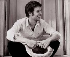 Paolo Nutini. Good music and a pretty face.