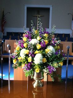 1000+ images about Church Flowers on Pinterest | Altar flowers ...