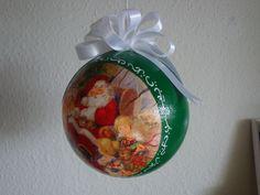 (Made by Susanne Elfrom Nguyen) Decoupage ornament.Julegave til Christoffer.