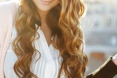 4 Easy Overnight Hair Curling Techniques- you will have better luck, my hair is so curly it refuses to curl any other way. My Hairstyle, Curled Hairstyles, Pretty Hairstyles, Heatless Hairstyles, Prom Hairstyles, Hair Curling Techniques, Overnight Hairstyles, Perfect Curls, Tips Belleza