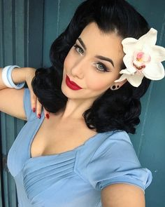 Miss Victory Violet - always and forever a muah queen! Bow down!! #makeup #vintagehairdo