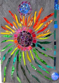 16 Aqua and pale gold Glitter Glass Mosaic by SolSisterDesi Mosaic Rocks, Mosaic Stepping Stones, Stone Mosaic, Mosaic Glass, Glass Vase, Mosaic Crafts, Mosaic Projects, Mosaic Designs, Mosaic Patterns