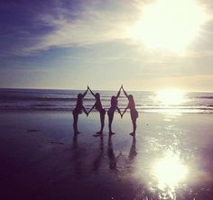 Kappa Alpha Theta. Florida pic!! Except with interlocking kite!