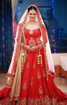 Designer Red Embroidered Lehenga Choli, Latest Festival & Bridal Wear Nakkashi Ethnic Ensemble Lehengas & Lehenga Choli Collection Of Buy online with Best rate here only Indian Bridal Lehenga, Red Lehenga, Pakistani Bridal, Anarkali, Lehenga Designs, Divyanka Tripathi Wedding, Bridal Outfits, Bridal Dresses, Party Kleidung