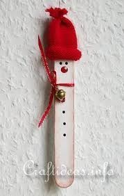 [Christmas Crafts] Jazz Up Boring Christmas Ornaments Giving Them A Homemade Christmas Decorations Look >>> Visit the image link for more details. Christmas Projects, Winter Christmas, Holiday Crafts, Christmas Holidays, Popsicle Crafts, Craft Stick Crafts, Craft Ideas, Xmas Ornaments, Christmas Decorations