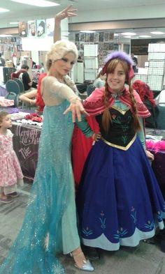 Elsa and Anna @Comic Con