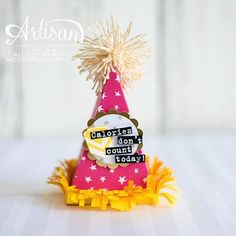 : Cutie Pie Thinlits Party Hat Favours by Canadian Stampin'… Card Making Inspiration, Making Ideas, Party Hats, Party Favors, Gift Card Displays, Paper Crafts, Diy Crafts, Candy Bouquet, Treat Holder