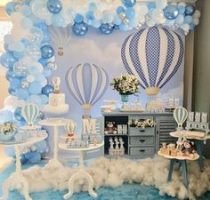 Baby Shower Decorations For Boys Blue Balloons 34 Best Ideas Idee Baby Shower, Cute Baby Shower Ideas, Baby Shower Decorations For Boys, Boy Baby Shower Themes, Baby Shower Balloons, Baby Shower Centerpieces, Baby Shower Cakes, Baby Shower Parties, Baby Boy Shower