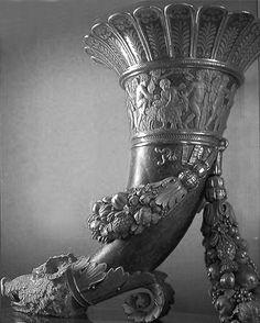 Орнамент и стиль в ДПИ - Рог изобилия в искусстве и орнаменте