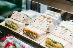 sandwich packaging - Google zoeken Sandwich Packaging, Omelette, Fresh Rolls, Ale, Sandwiches, Ethnic Recipes, Google, Food, Food Food