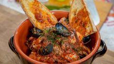 Simones Cacciucco – Fischeintopf Paella, Ethnic Recipes, Food, Mussels, Italian Cuisine, Tuscany, Essen, Meals, Yemek