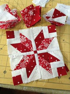 Block 7 is here in the I Wish You a Merry Quilt-A-Long, and it is Poinsettia by Sandy Maxfield! This is a super fun block made with half square triangles. Christmas Tree Quilt, Christmas Blocks, Christmas Quilt Patterns, Christmas Placemats, Christmas Sewing, Christmas Patchwork, Star Quilt Blocks, Quilt Block Patterns, Pattern Blocks