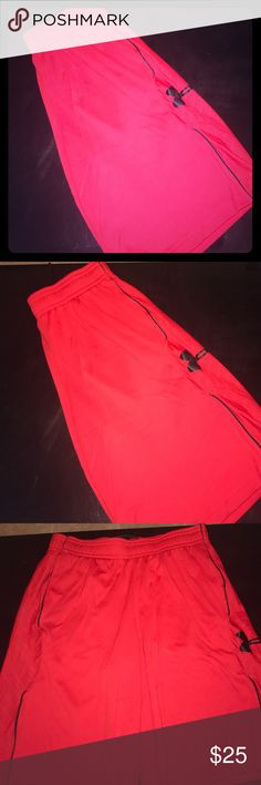 Men's Under Armour shorts Like new condition, size XL, 100% polyester, pockets on the side, drawstring at the waist band Under Armour Shorts Athletic