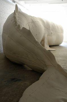 Tristin Lowe's 52 ft. albino Mocha Dick inflatable whale installation http://decdesignecasa.blogspot.it