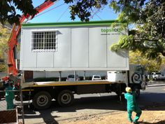 Impress clients by inviting them to meet onsite in a stylish and spacious conference pod. Topshell services the Western Cape and Gauteng and surrounds. Container Office, Container Design, Office Pods, Site Office, Container Conversions, Mobile Office, Storage Facility, Self Storage