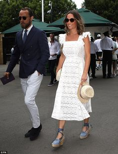 Pippa Matthews and James Middleton on day four of the Wimbledon Championships at the All England Lawn Tennis and Croquet Club Pippa Middleton Style, James Middleton, Middleton Family, Carole Middleton, Beauty And Fashion, Fashion Looks, Royal Fashion, Women's Fashion, Pippa And James