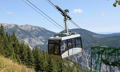 Fahre auf 1.600 Meter mit der Rax-Seilbahn | 1000things Visit Austria, Sea Level, Central Europe, Great Artists, Places Ive Been, Scenery, Vacation, World, Austria