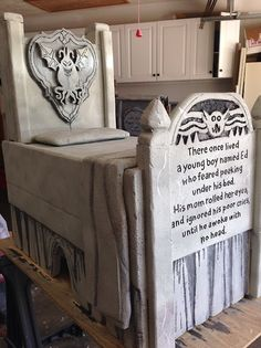 Boogey man bed tomb by Halloween Forum member. This is a foam carve!!! Amazing :)