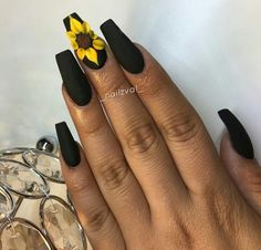 Image uploaded by ɴᴇɴᴇʏᴀ. Find images and videos about black, white and nails on We Heart It - the app to get lost in what you love. Black Acrylic Nails, Summer Acrylic Nails, Best Acrylic Nails, Matte Nail Art, Nail Swag, Sunflower Nail Art, My Nails, Hair And Nails, Nail Design Spring