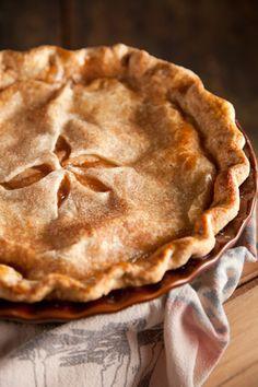 Paula Deen Mom's Apple Pie