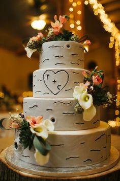 2014 Fall Wedding Cake Trends on Borrowed & Blue. Photo Credit: via Wedding Cake Idea Fall Wedding Cakes, Wedding Cake Rustic, Rustic Cake, Whimsical Wedding, Woodland Wedding, Autumn Wedding, Pink Camo Wedding, Dream Wedding, Wedding In The Woods
