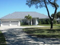 2729 Pineapple Avenue | Melbourne, FL | Call our office today for more information about this home! | 321-768-7600