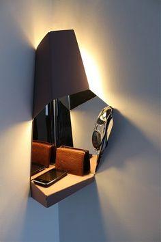 corner-light-wallet-upr-600.jpg