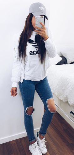 summer outfits  Grey Cap + White Printed Top + Destroyed Skinny Jeans