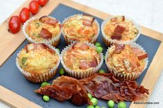 Brioșe sărate cu bacon, cașcaval și mazăre verde - muffins aperitiv | Savori Urbane Bacon, Cheddar, Lasagna, Muffins, Lunch, Mornings, Breakfast, Food, Green