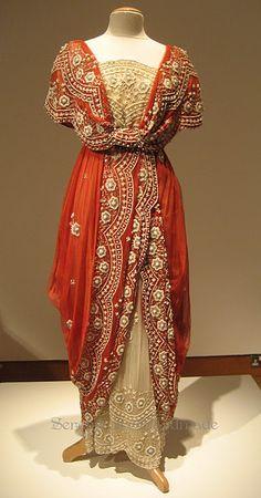 Downton Abbey dress - so pretty!