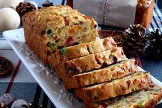 Christmas Apricot and Walnut Fruitcake - Lord Byron's Kitchen Fun Baking Recipes, Easy Cake Recipes, Dessert Recipes, Cooking Recipes, Healthy Baking, Bread Recipes, Christmas Cooking, Christmas Desserts, Christmas Cakes