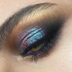 """2,612 Me gusta, 17 comentarios - Maria Lihacheva ApropoMakeup (@apropomakeup) en Instagram: """"мой любимый цвет глаз -зелено-жёлтый некоторые из особо важных использованных продуктов ✅ для…"""""""