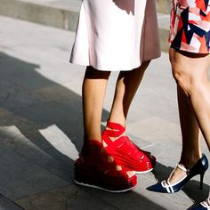 COLOMBIAMODA 2017 . . @voguemexico . . #vogue #mexico #vogueencolombia #colombiamoda #colombiamoda2017 #colombia #medellin #streetstyle #streetphotography #fashion #fashionweek #moda #mode #voguetalentscorner #inexmoda #shoes #shoeporn #shoeaddict